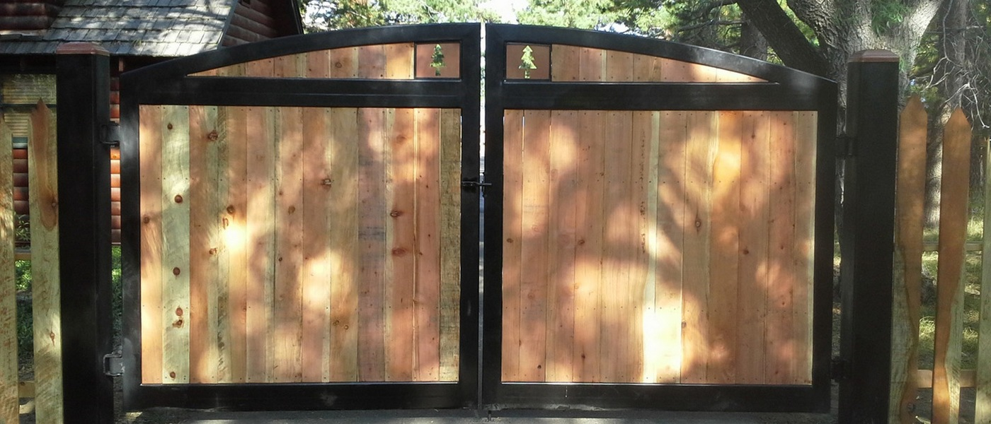 Complete Fence Contractor from Design to Fabrication